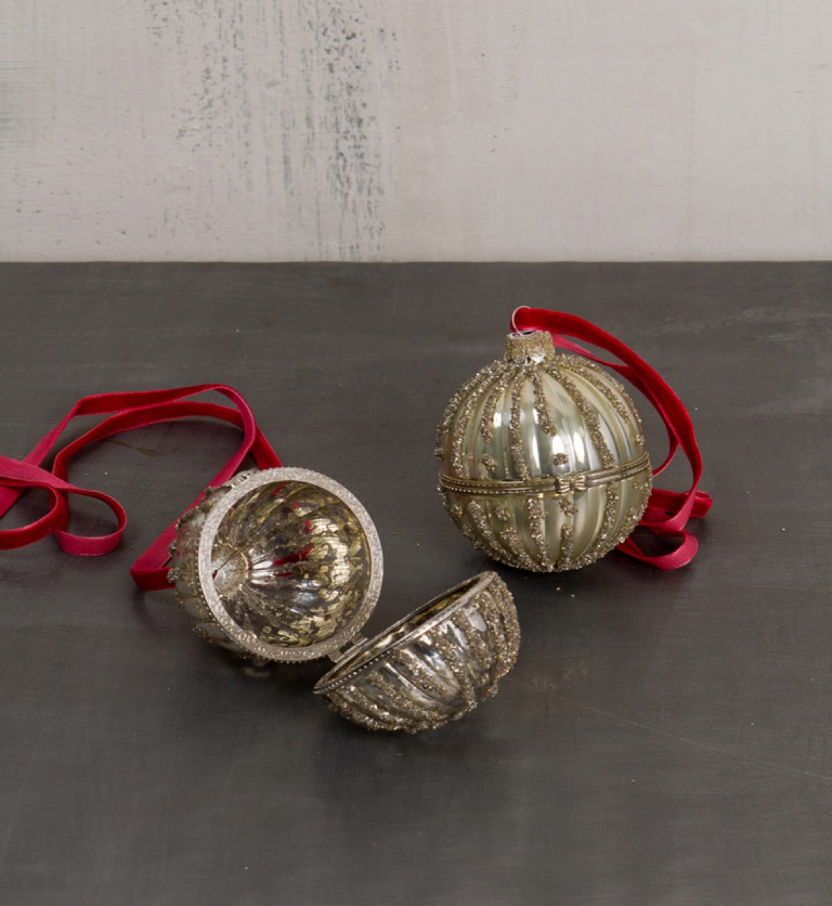 xmas ball eggs antique silver 12144 - Antique Silver Christmas Decorations
